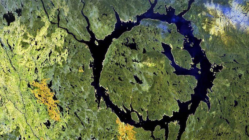 「マニクアガンクレーター」カナダ, ケベック州