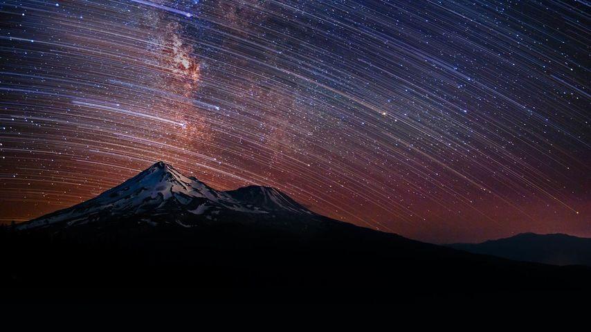 「シャスタ山の星空」アメリカ, カリフォルニア州