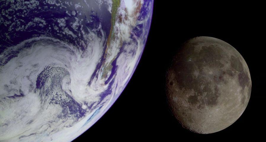 「月と地球」