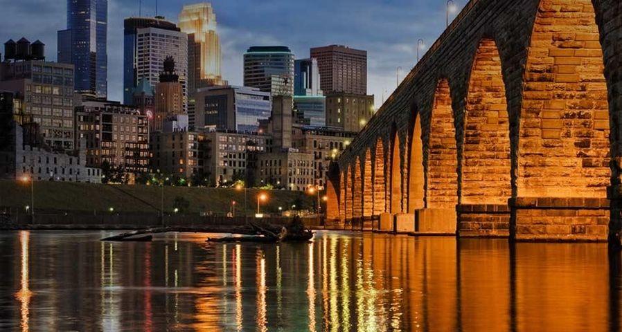 「ミネアポリスの夕景」アメリカ, ミネソタ州