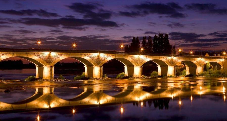 「アンボワーズ城の橋」フランス, アンボワーズ