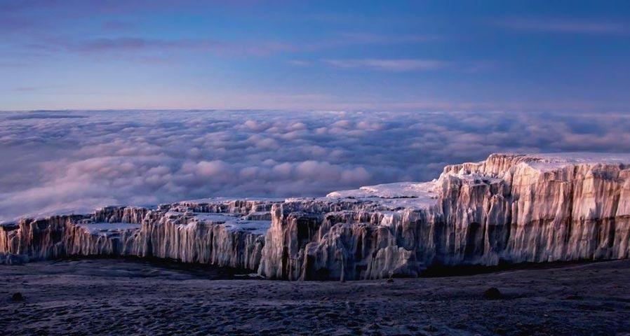 「キリマンジャロの氷原」タンザニア