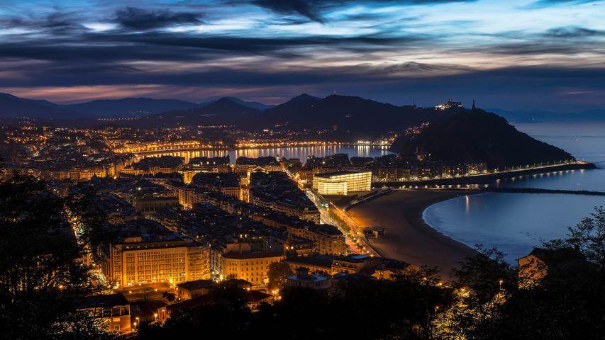 「サン・セバスティアンの夜景」スペイン