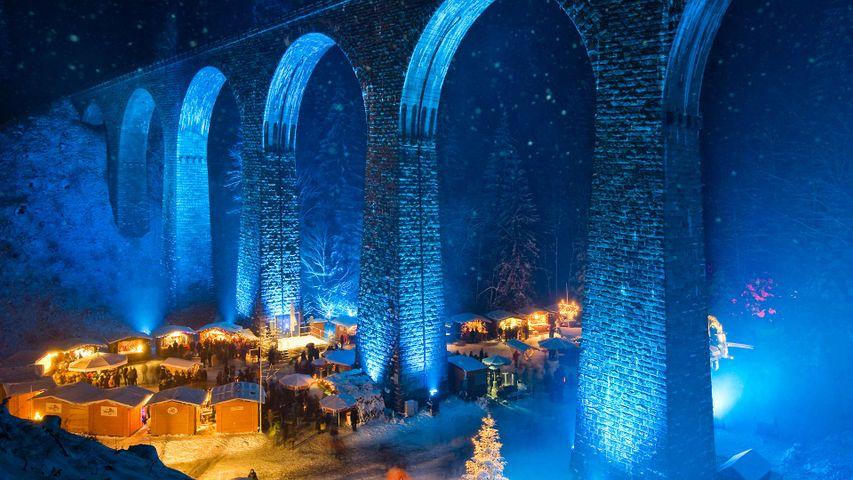 「ラヴェンナ渓谷のクリスマスマーケット」ドイツ, フライブルク