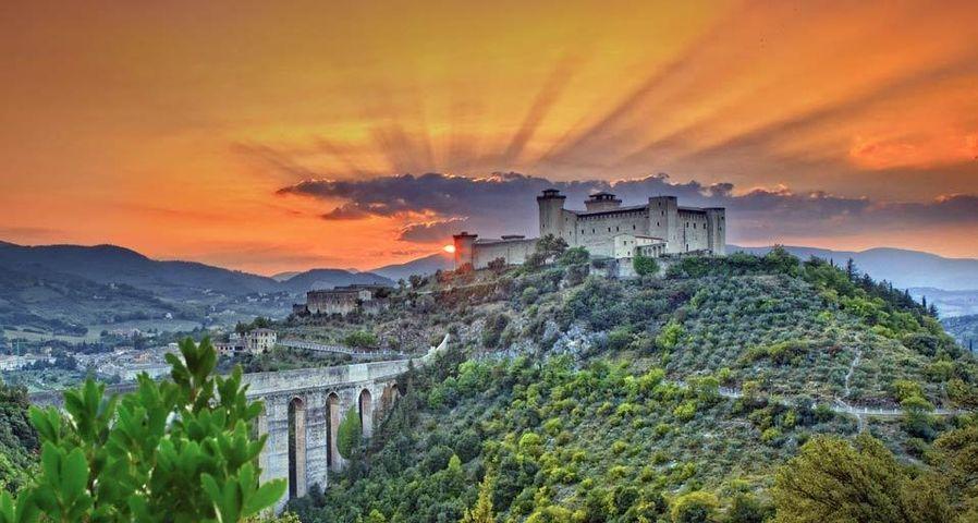 「アルボルノツィアーナ城」イタリア, スポレート