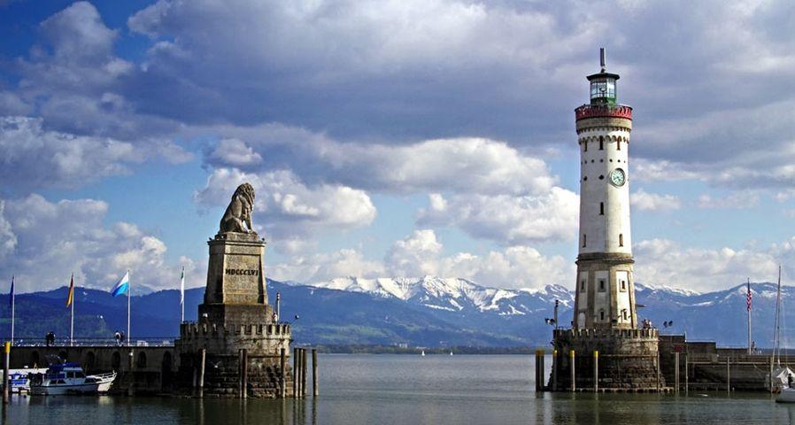 「リンダウ港のライオン像と灯台」ドイツ, バイエルン、ボーデン湖