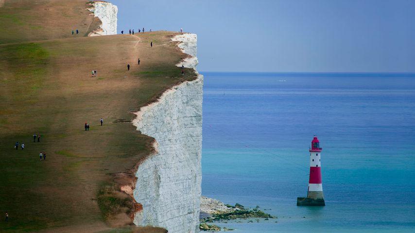 「ビーチ岬の灯台」イギリス, イースト・サセックス