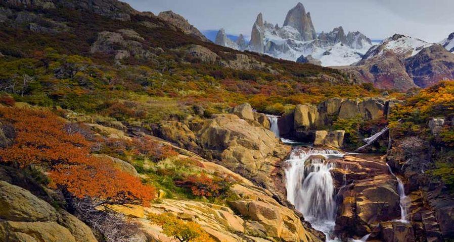 「フィッツロイ山の麓」アルゼンチン, パタゴニア