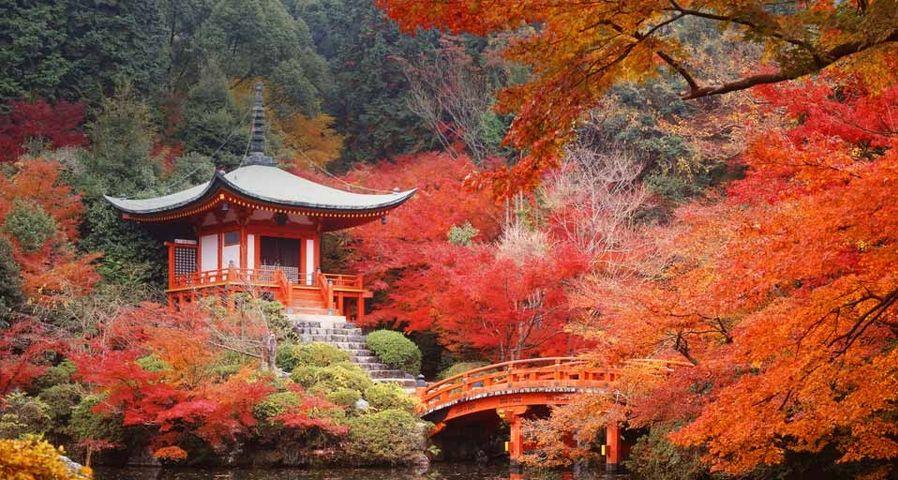 「醍醐寺の弁天堂」京都, 伏見区