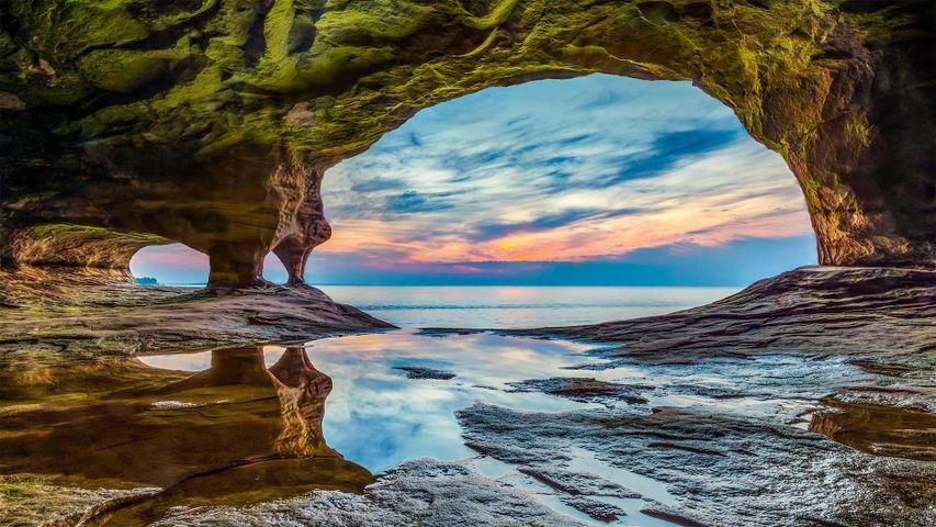 「ピクチャードロックス国立湖岸」米国ミシガン州, スペリオル湖