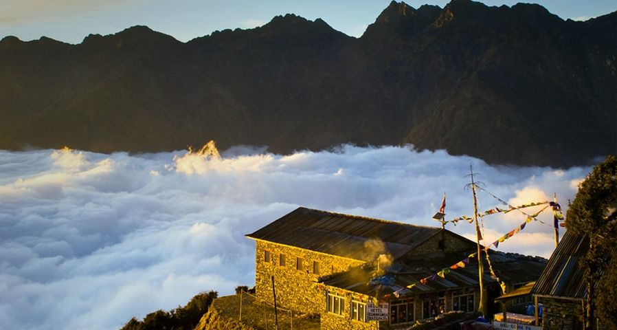 「ターレパティの朝日」ネパール, ヘランブー・トレッキング・サーキット