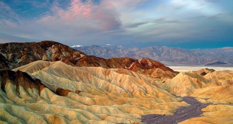 「ザブリスキーポイント」アメリカ, カリフォルニア州, デスバレー国立公園