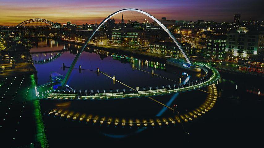 「ゲーツヘッド・ミレニアム橋」イギリス, ニューカッスル・アポン・タイン