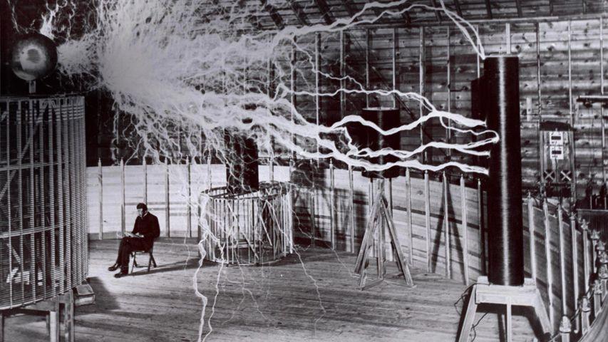 「テスラ・コイルの実験」米国コロラド州