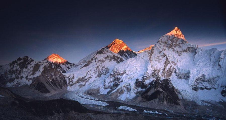 「夕日に照らされるチョモランマ」ネパール, サガルマータ国立公園