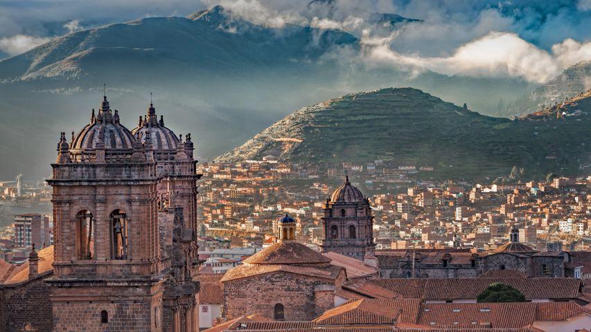 「アルマス広場のクスコ大聖堂」ペルー, クスコ