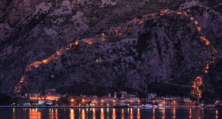 「コトル湾」モンテネグロ, アドリア海沿岸
