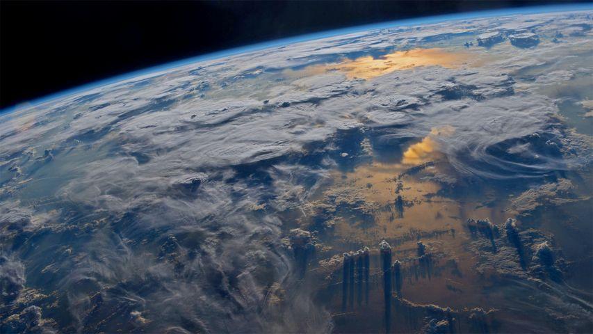 「国際宇宙ステーションから見た地球」