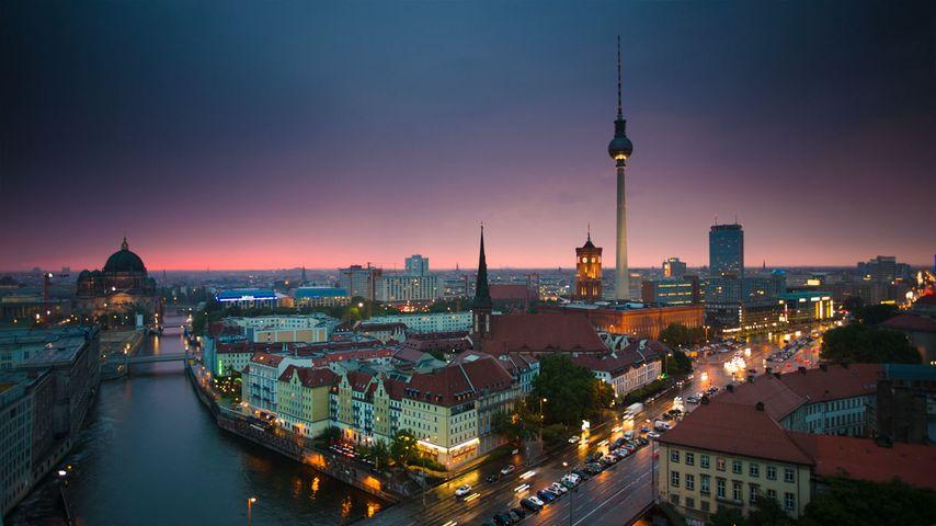 「夜のベルリン市街」ドイツ, ベルリン