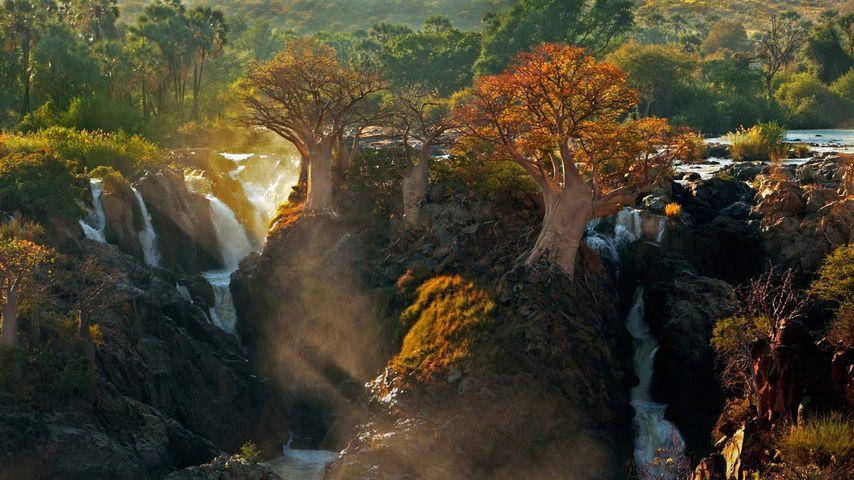 「エプパ滝」ナミビア、アンゴラ国境