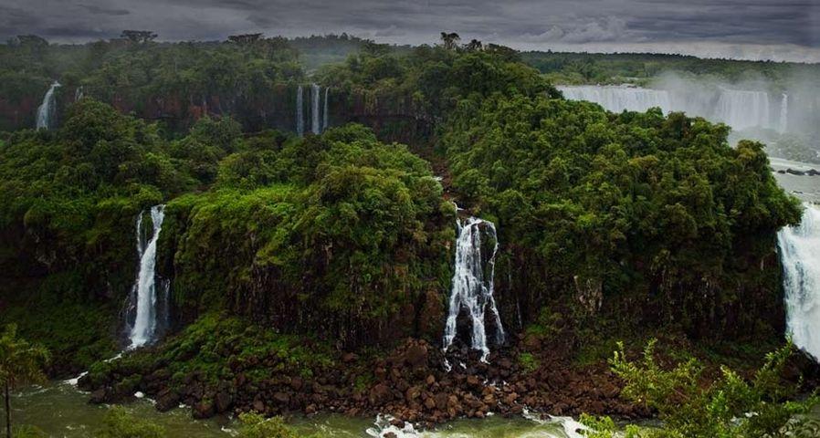 「イグアスの滝」ブラジル, パラナ州