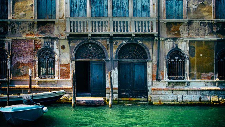 「運河沿いの建物」イタリア, ヴェネチア