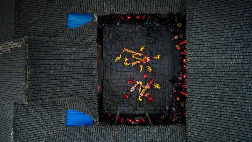 「春節の龍舞」中国, 湖南省, 郴州市