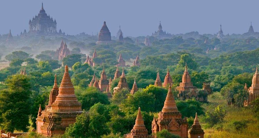「バガンの寺」ミャンマー