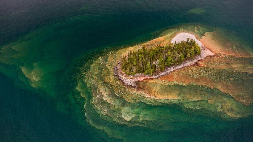 「スペリオル湖の小島」カナダ, オンタリオ州