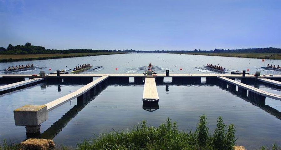 「イートン・ドーニー湖」イギリス, バッキンガムシャー州