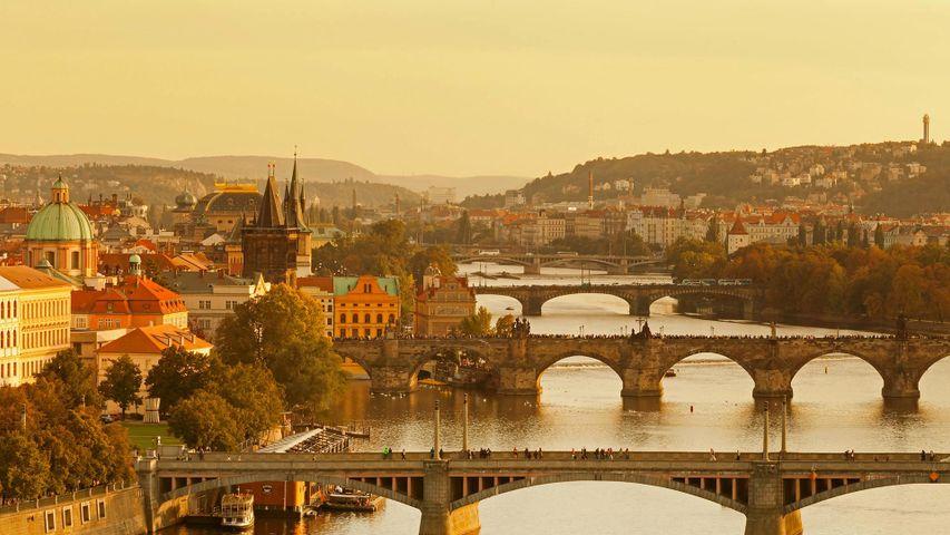 「ヴルタヴァ川とカレル橋」チェコ, プラハ