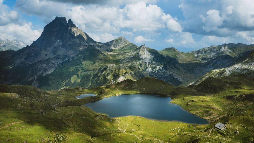 「アユー湖とピック・デュ・ミディ・ドソー山」フランス, ピレネー国立公園