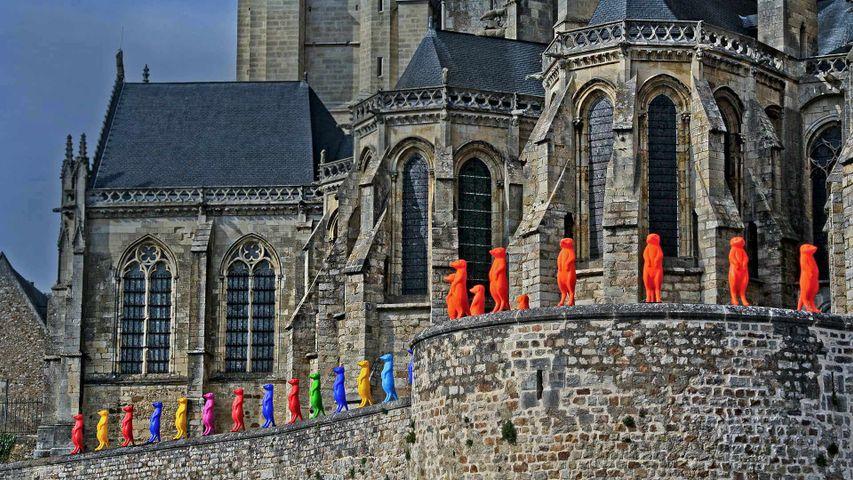 「サン・ジュリアン大聖堂のインスタレーション」フランス, ル・マン