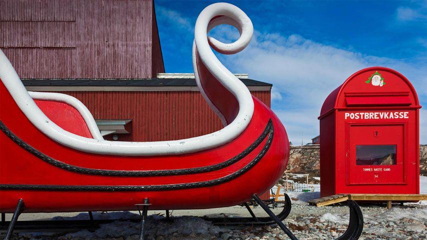 「サンタのそりと郵便受け」グリーンランド, イルリサット