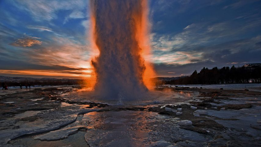 「ストロックル間欠泉」アイスランド
