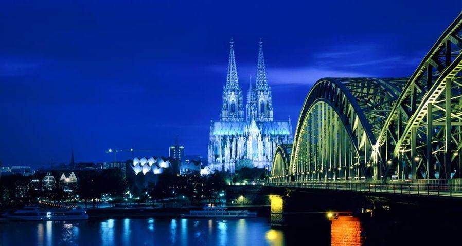「ケルンの夜景」ドイツ