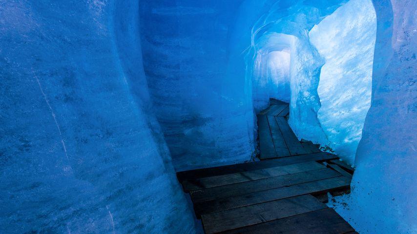 「ローヌ氷河の洞窟」スイス, ヴァレー地方