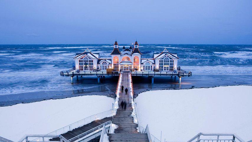 「雪のゼリン桟橋」ドイツ, リューゲン島