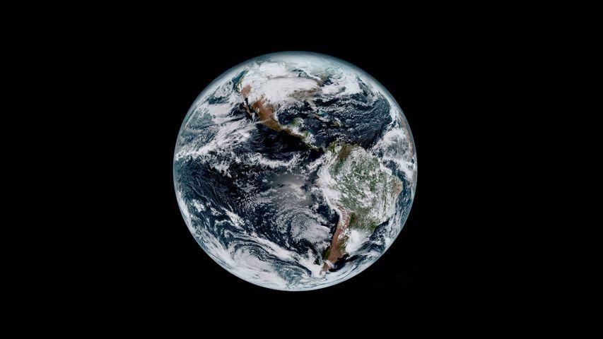 「宇宙からみた地球」