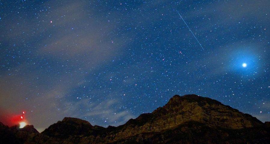 「サンティス山と流星」スイス, シュヴェークアルプ