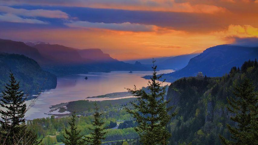 「コロンビア川渓谷」アメリカ, オレゴン州
