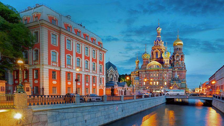 「グリボエードフ運河と血の上の救世主教会」ロシア, サンクトペテルブルク