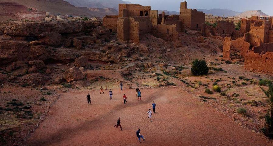 「モロッコの草サッカー」モロッコ