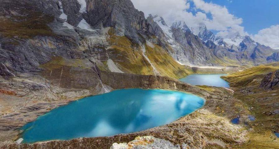 「ワイワッシュ山群の湖」ペルー