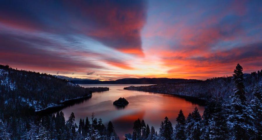 「エメラルド・ベイ」アメリカ, カリフォルニア州, タホ湖