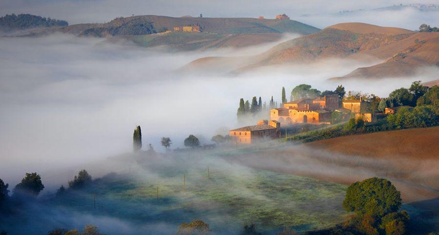 「クレテ・セネージの朝霧」イタリア, トスカーナ地方