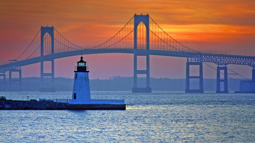 「クレイボーン・ペル・ニューポート橋」アメリカ, ロードアイランド州