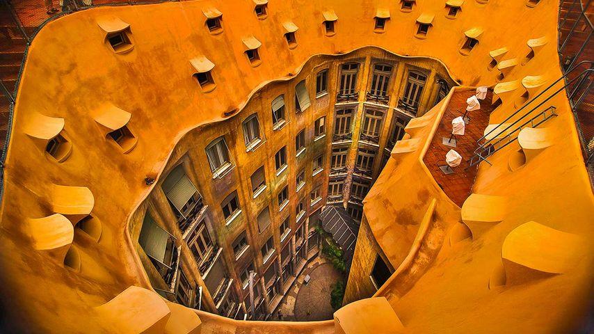 「カサ・ミラ」スペイン, バルセロナ