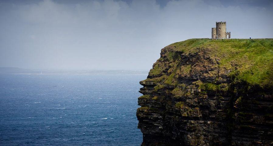 「オブライエン塔」アイルランド, ゴールウェイ湾