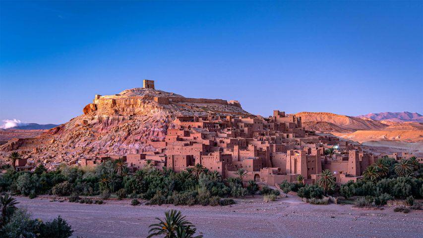 「アトラス山脈とアイット・ベン・ハドゥ」モロッコ, ワルザザート